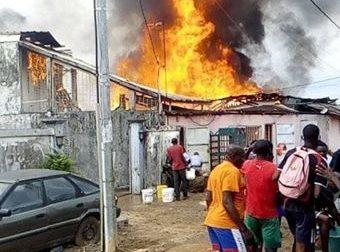 Faits divers : La Seeg indexée dans un vaste incendie au quartier Nzeng Ayong