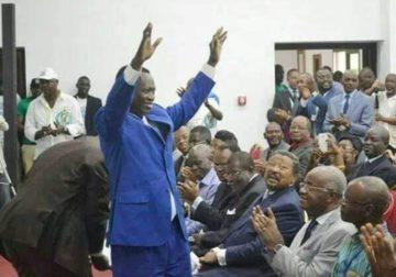 Avec son retour au bercail politique :  Ndemezo'o revigore Ali Bongo et secoue l'apathie du camp  Ping !